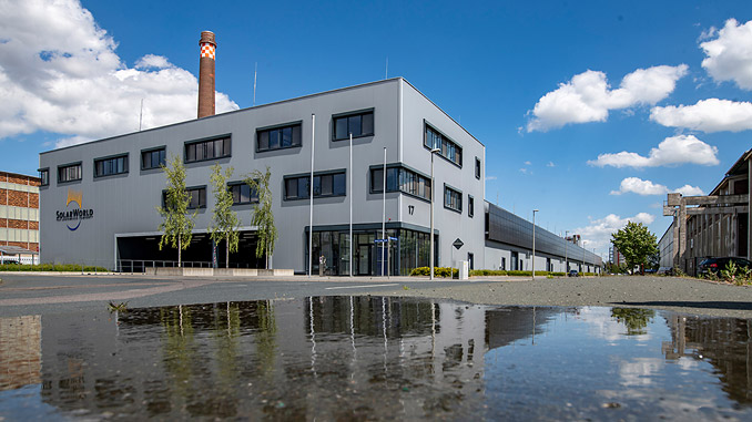 Meyer Burger is acquiring the modern logistics and distribution centre at the former Solarworld site in Freiberg