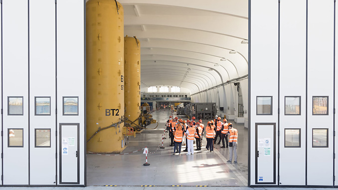 During the guided tour of the base in Trieste, a team of Saipem experts illustrated the latest technological innovations for submarine operations and interventions