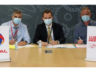 Signing Ceremony, Nanterre: From left, Florian Rouby-Giraud, CEO Lubrilog; Pierre Duhot, Senior Vice President Total Lubrifiants; and Pascal Clement, GM Lubrilog