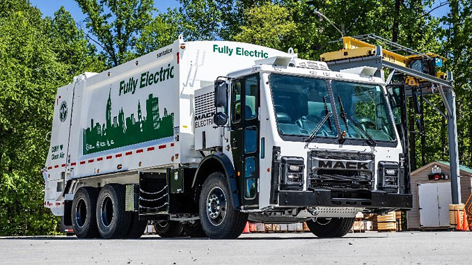 The fully electric powertrain allows drivers to navigate their routes with the same dependability as the Mack LR – while reducing carbon emissions to nearly zero