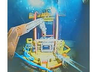 "Enpro's F-Decom tooling system deploying their ""anchor hub"" onto a subsea cell top"