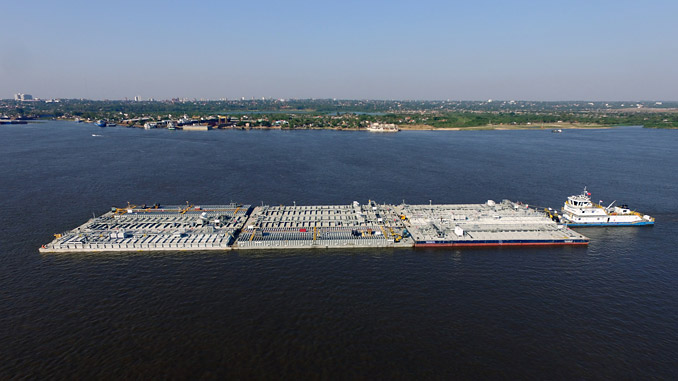 Real time video surveillance via Fleet Xpress is keeping cargoes and crews secure along the Paraná River – the artery for economic development that carries around 80% of Paraguay's trade