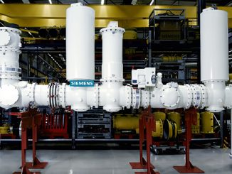 Gas-insulated DC switchgear for up to ±550 kV, 5000 A (photo: Siemens Energy)