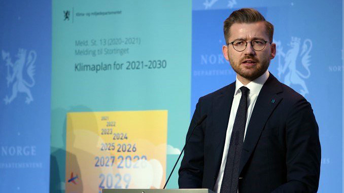 """This climate action plan will give new momentum to Norwegian climate policy,"" says Sveinung Rotevatn, Minister of Climate and Environment (photo: Martin Lerberg Fossum/KLD)"