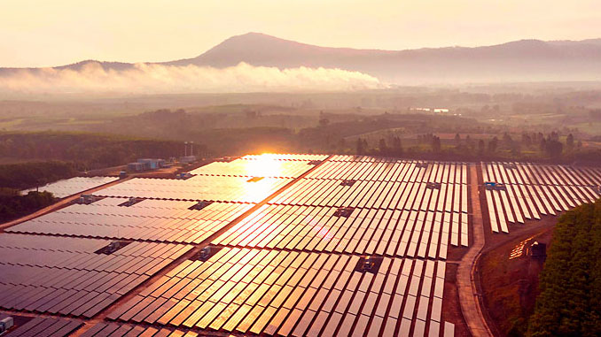 Meyer Burger's heterojunction technology (HJT) for solar cell production has significant environmental advantages compared to conventional manufacturing processes