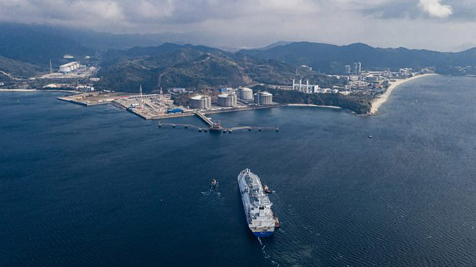 LNG ship approaches port in China (photo: bp)
