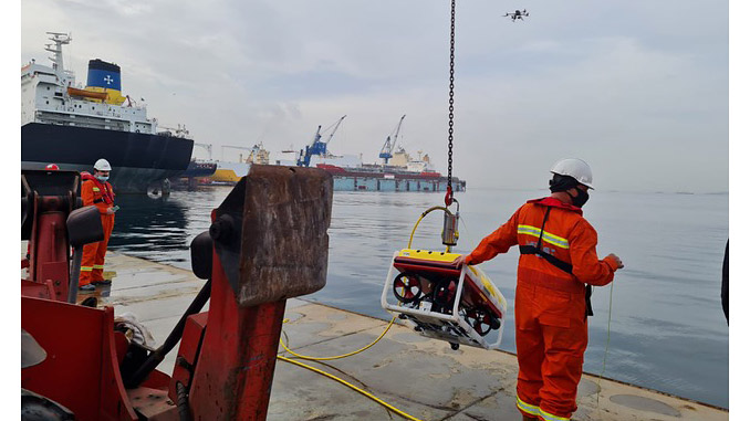 Easy to handle, the Falcon can be rapidly deployed for hydrocarbon leak detection