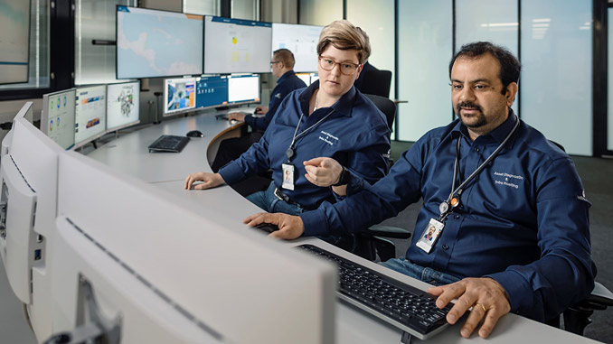 With Expert Insight, specialists at Wärtsilä Expertise Centres can support customers by providing proactive advice and recommendations to maintain the operational efficiency of their vessels