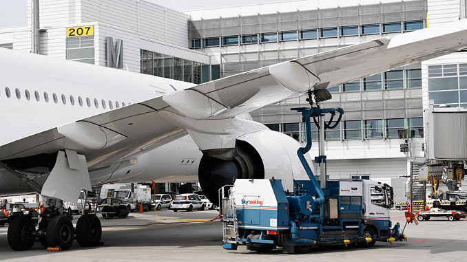 The fuel depot at Munich Airport is now being opened for climate-friendly fuels of the future