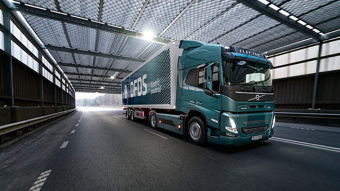 DFDS will be one of the first to operate a Volvo FM Electric in commercial traffic. The truck will deliver supplies to Volvo's truck factory in Gothenburg