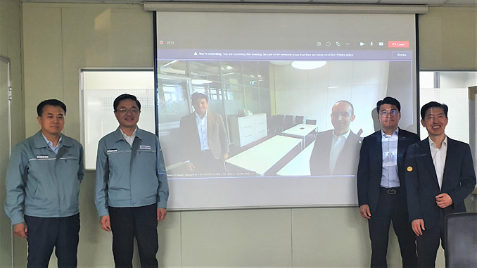 From left, Young-Gi Kim, General Manager of strategy Business team, HSD; Sang-Min Lee, Senior General Manager of strategy Business team, HSD; Young-Ki Lee, Tekomar Global Sales Manager, ABB Turbocharging; and Jae-Ung Park, Country Manager, ABB Turbocharging – on screen from left, Cristian Corotto, SVP Digital Customer Solution, ABB Turbocharging and Mauro De Micheli, Head of Sales, Marketing and Partnerships Digital Solutions, ABB Turbocharging