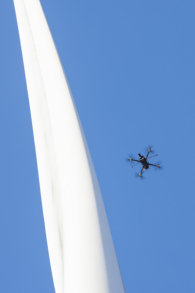 Figure 1. Drone technology can be used as a fully autonomous blade inspection solution (photo: Perceptual Robotics)