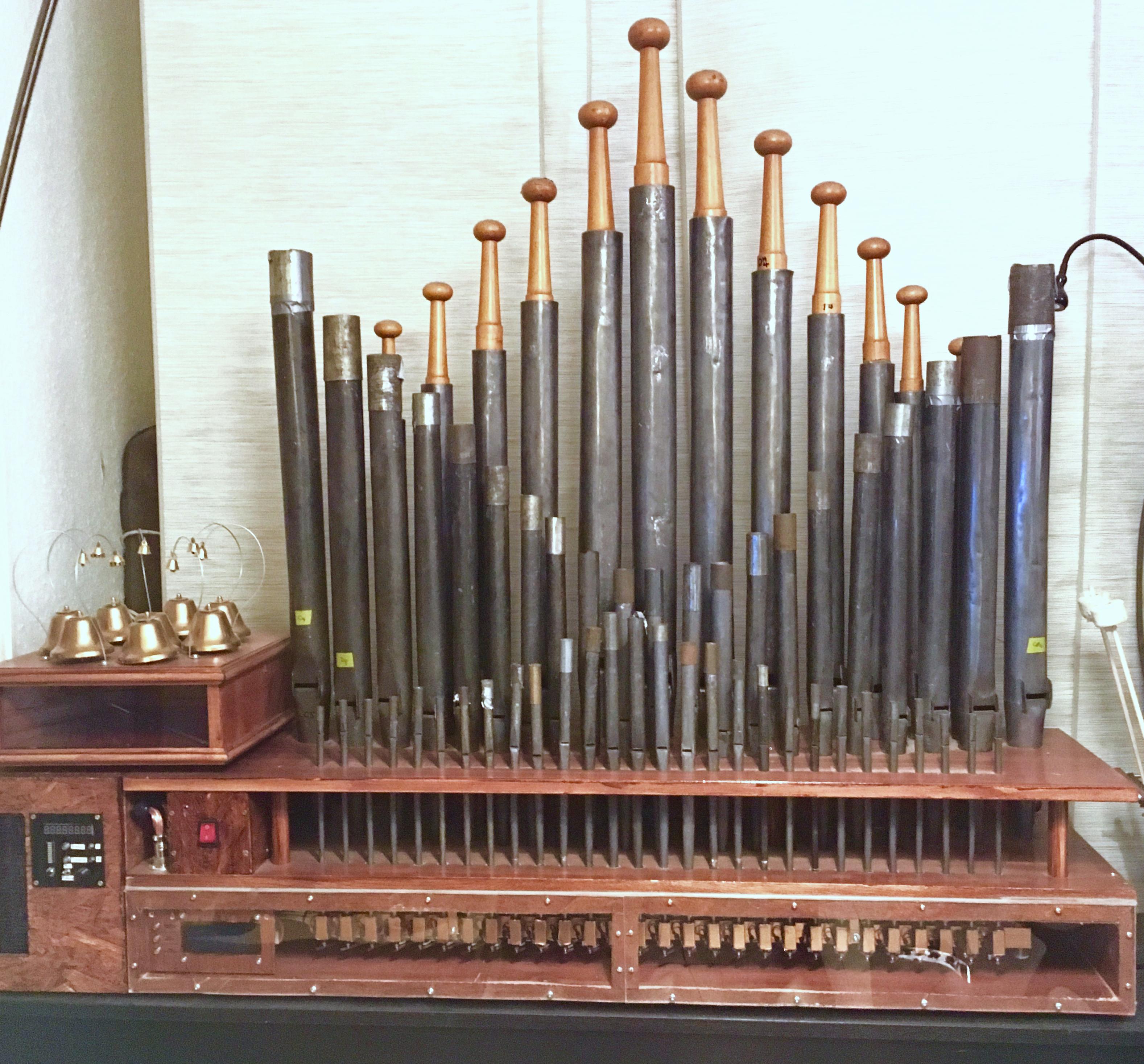 The PipeDream61 single-rank pipe organ