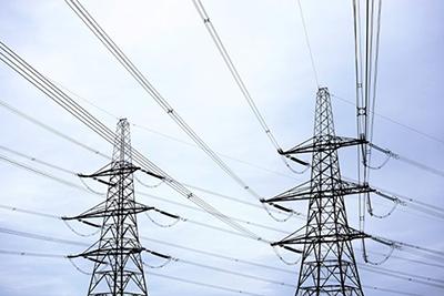 Bizneset e tensionit 35KV do e blejnë energjinë 7% më lirë në Shkurt