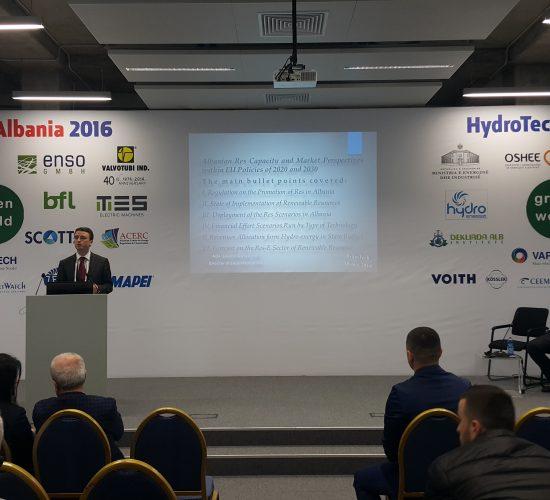 Albania avanza alla promozione del settori energetici sostenibili