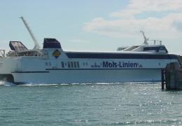 Mai Mols ved Odden havn 20. juni 2009