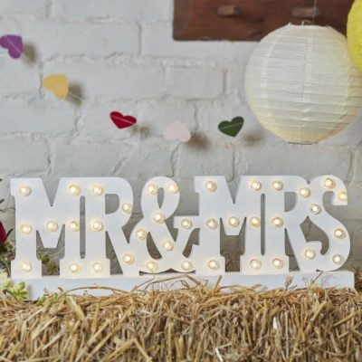 huur verlichting mr en mrs lampjes huren bruiloft lichtjes