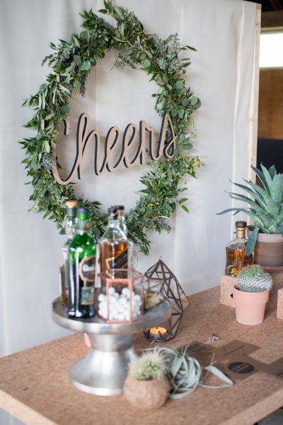 houten letters cheers bruiloft huren