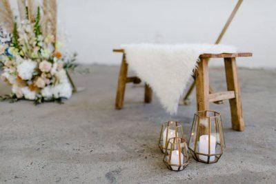 Schapenvachtjes wit huren bruiloft