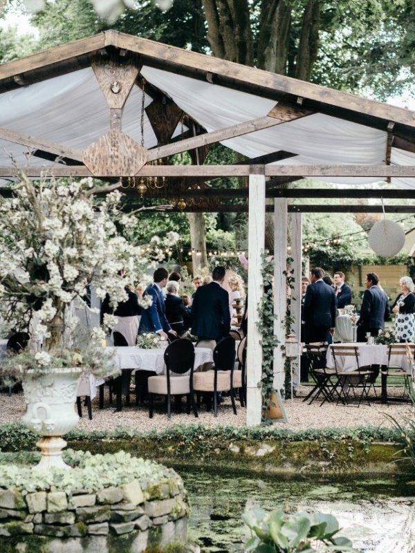 bruiloft in nunspeet Feline Weddings buiten trouwen styling pinterest