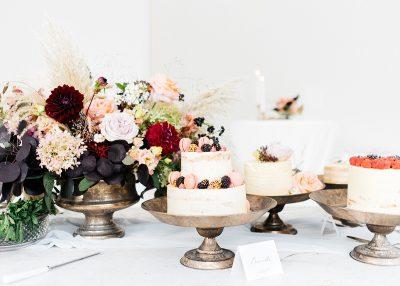 Gouden etagere taartschaal huur bruiloft