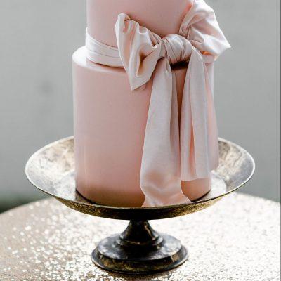 taartschaal etagere goud huren bruiloft schaal bruidstaart plateau goud