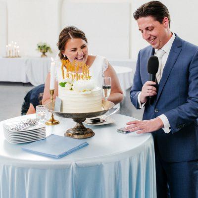 ceremonieopstelling champagne bramen bruiloft feest bubbels toost en taart