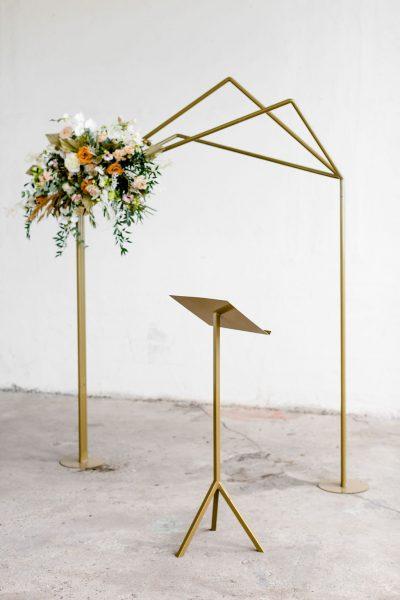 lessenaar goud katheder gouden backdrop symmetrisch gebruiksaanwijzing demontabel