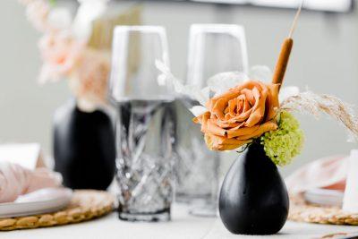 huur wijnglas en longdrink glas zwart huren bruiloft