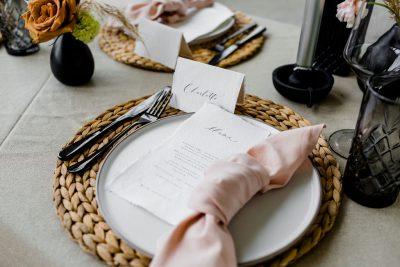 Servet dusty roze oud roze katoen huren bruiloft linnen tafeldecoratie tafelaankleding diner trouwen huren feest