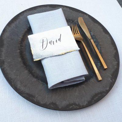 onderbord zwart marmer grijs huren bruiloft aankleding diner tafelstyling plate