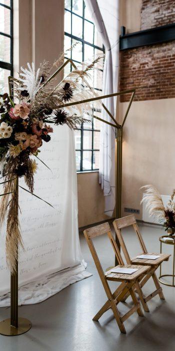 backdrop met bloemen edenique floral design
