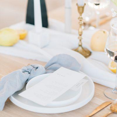 transparante tafelloper wit huren bruiloft aankleding tafels diner