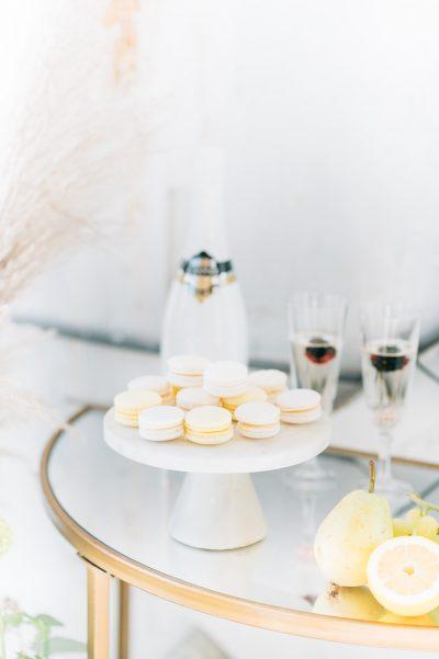 bijzettafeltje goud halfrond metaal spiegel glas modern huren bruiloft