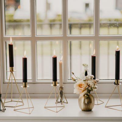 gouden kandelaren bruiloft huren decoratie versiering strak metaal