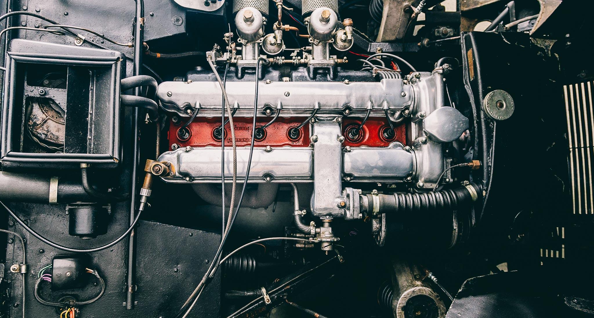 Felix Liebel-Aston Martin DB-6688
