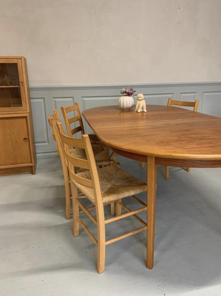 Runt matbord i teak & ek, Bertil Fridhagen, Bodafors