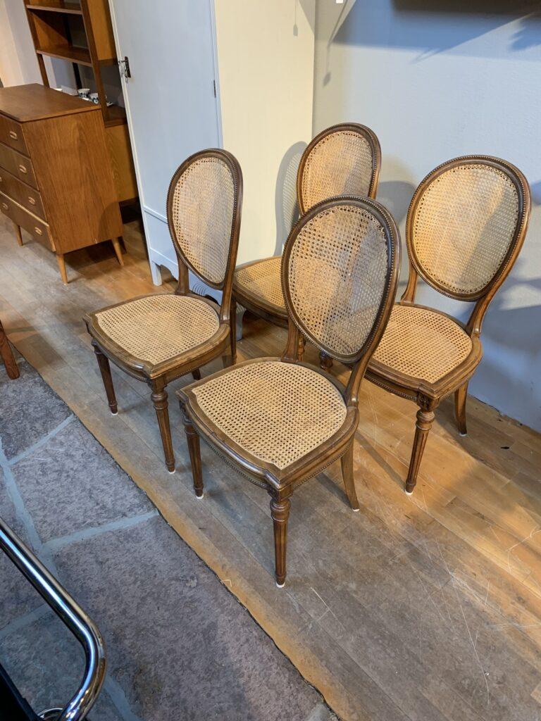 Fyra stolar med flätad rotting, 1900-talets första hälft