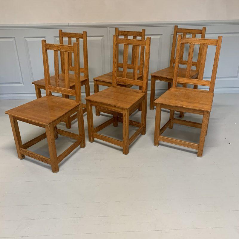 Sex stolar i furu