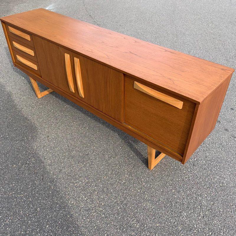 Sideboard, England, 1960-tal, teak & bok