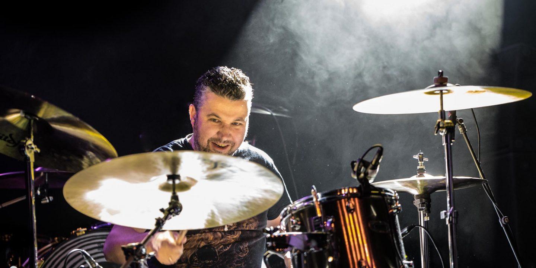 Concertfotografie Drachten Friesland Evenement Dead Loyalty drummer