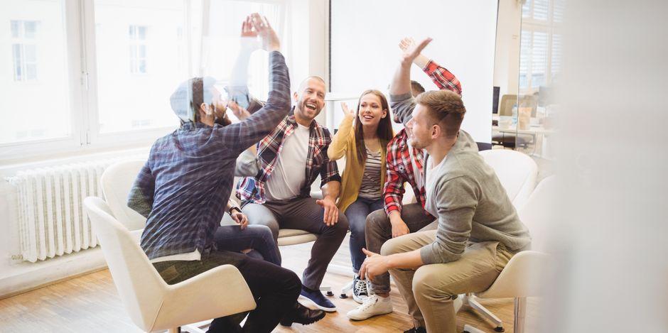 En arbetsgrupp som samarbetar och trivs ihop fungerar bättre på arbetsplatsen. Susanne Sabith har lång erfarenhet av ledarskap inom vård och omsorg.