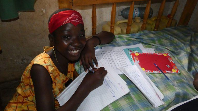 Robinah besucht das Projekt