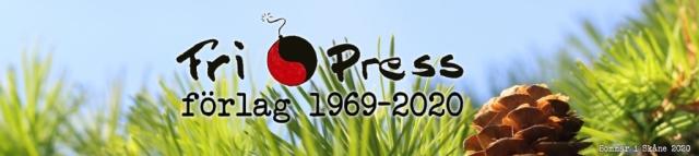 BILD: Fri Press header med logotyp 'Fri Press förlag 1969-2020' mot bakgrund av himmel, lärkbarr och en kotte