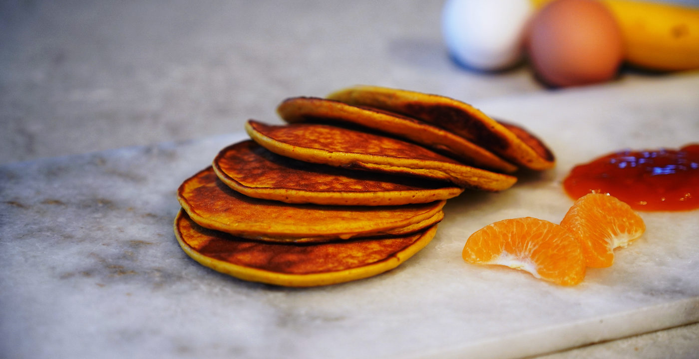 Banana and saffron pancakes with mango and passion jam