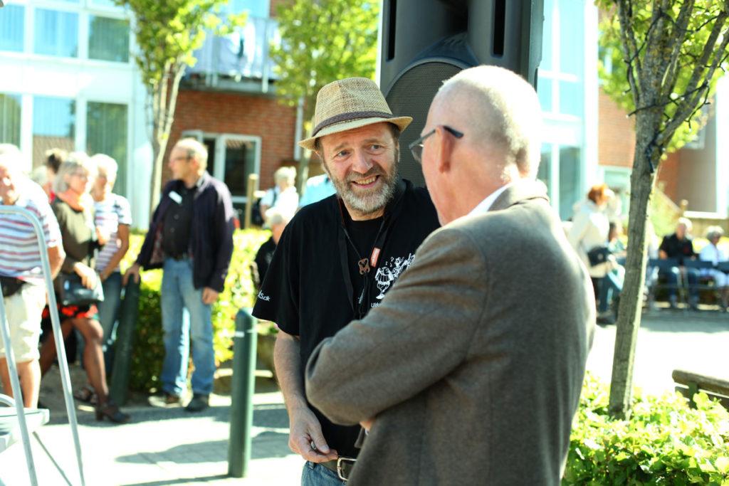 Idémanden til Uldum Gademusik Festival, Flemming Sønderup, samt Villy Søvndal
