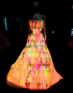 LED-Galaxy-Dress-Wearable-Display-02