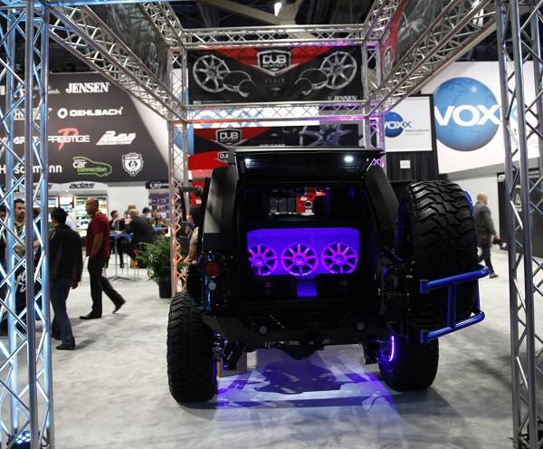 Dub mega speakers car