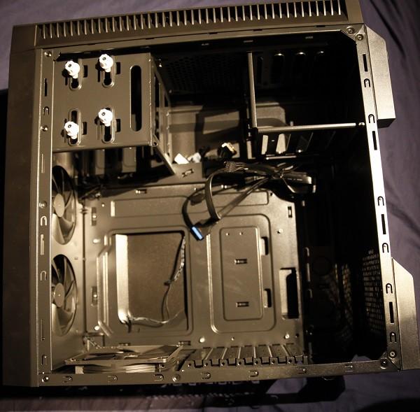 antec p70 inside