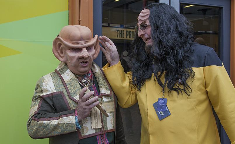 Destination Star Trek Europe Ferengi Klingon Cosplay Funny Gadgetzz